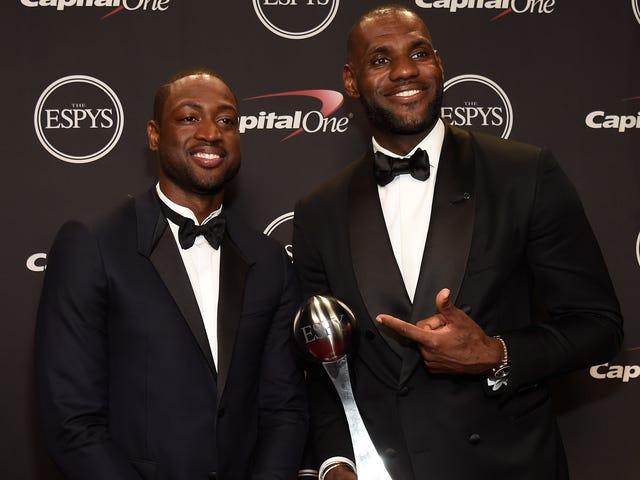 Réunis et il se sent si bien: LeBron et Wade peuvent-ils apporter la chaleur d'un autre championnat à Cleveland?