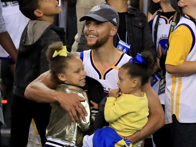 'This Is Personal': Steph Curry Advocates for Equal Pay in a Women's Equality Day Essay