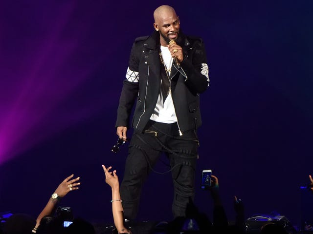 R. Kelly Indicted on 10 Counts of Aggravated Sexual Abuse, No-Bail Arrest Warrant Issued [Updated]
