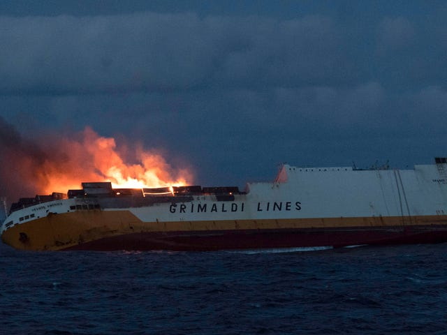 Report: String of Massive Blazes at Sea Worrying Shipping Industry