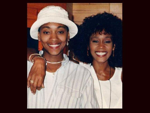 Το αναπόφευκτο απομνημόνιο του Robyn Crawford μας δείχνει περισσότερο από την Whitney Houston από ό, τι έχουμε δει ποτέ