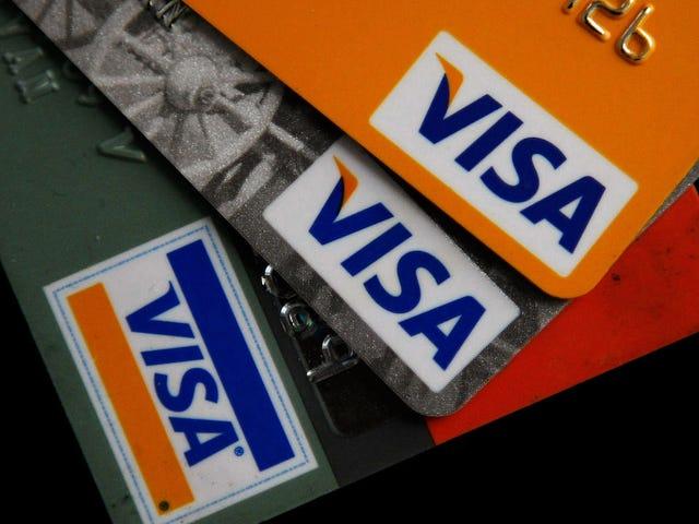 Las tarjetas de crédito con chips están reduciendo el fraude en la tienda, pero las violaciones en línea están recogiendo la holgura