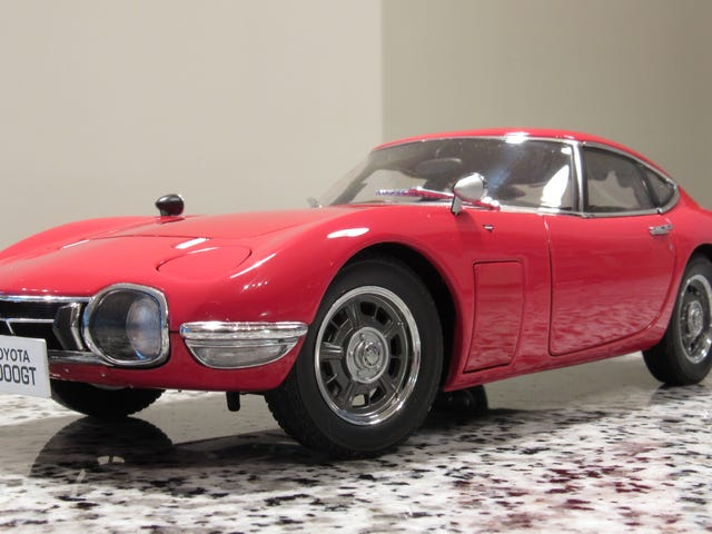 Land of the Rising Sun-day: AutoArt Toyota 2000GT