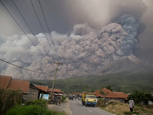Indonesia's Mount Sinabung Volcano Erupted Today and the Photos Are Spooky as Hell