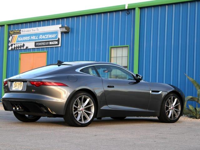 Puedes comprar el mejor Jaguar F-Type por el precio de un Mustang V8