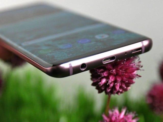 Sa ganitong Samsung ay hindi nakakakuha ng isang kopya ng isang Apple: ang Galaxy S9 ay isang tuta ng mga auriculares