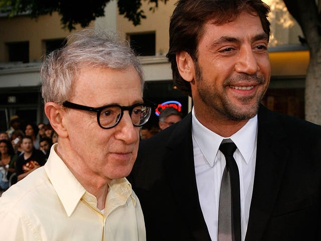 """Javier Bardem, buddy, Woody Allen is not being """"lynched"""""""