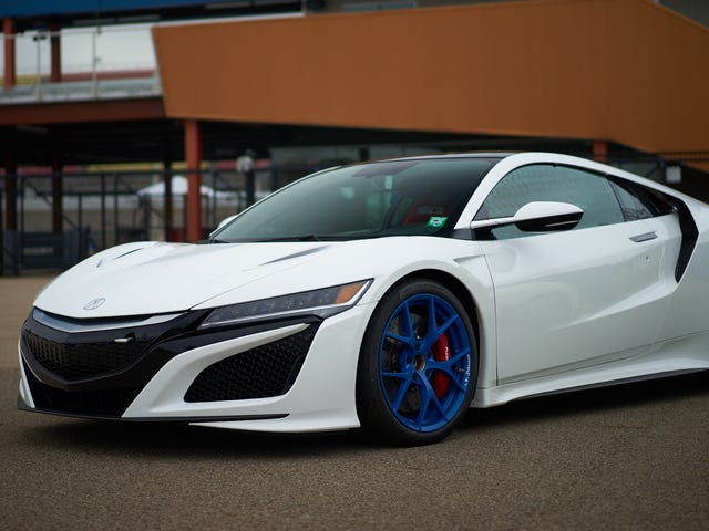 Here's a Acura NSX racecar I found at comp and it's wallpaper size!