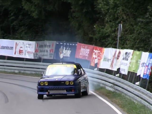 2JZ: n vaihdolla varustettu BMW E30 M3 on auto, jota tarvitset, kun todella tarvitset näyttää renkaitasi kenen pomo on