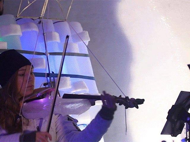 Một nhà điêu khắc máu nóng đã xây dựng một công cụ toàn bộ ban nhạc ngoài băng