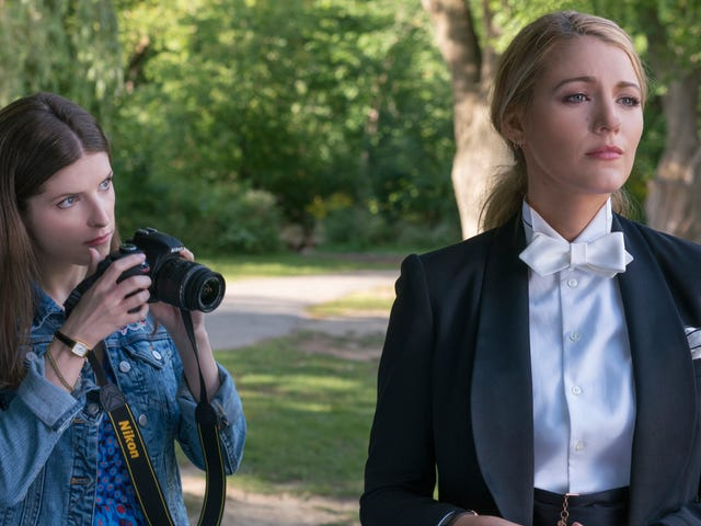 Light, literate, and wickedly funny, A Simple Favor is Gillian Flynn for the mommy-blogset