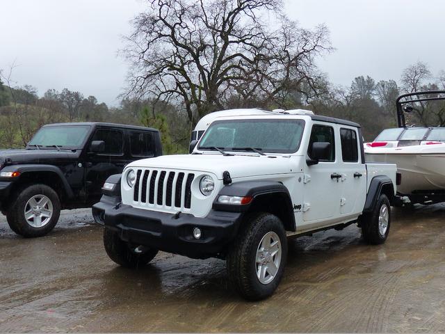 Kỹ thuật đằng sau xếp hạng kéo xe của đấu sĩ Jeep và tại sao động cơ diesel sẽ kéo ít hơn