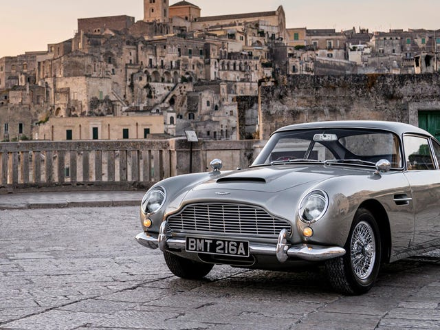 Some Great Old-School Aston Martins Will Be In The Next Bond Film