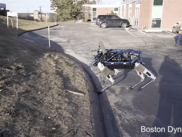Boston Dynamics ha estado usando sus perturbadores perros robot para entregar paquetes en la ciudad