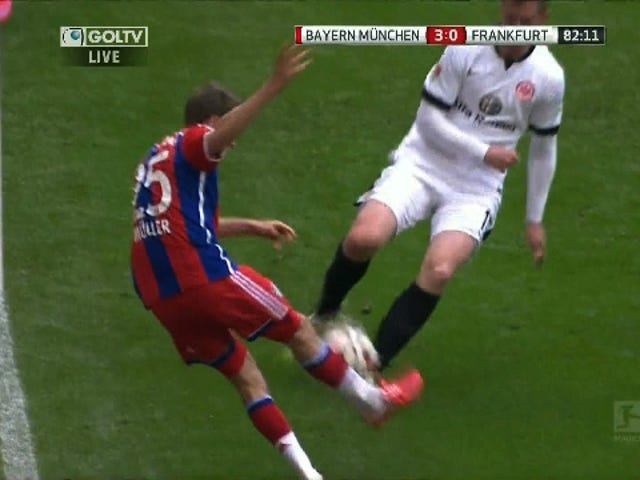 Thomas Müller Scores Goal From Seemingly Impossible Angle