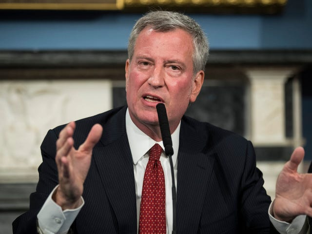 Нью-Йорк может стать первым городом в США, которому поручено оплачивать нерабочее время