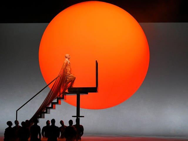 Akhnaten: Một vị vua cách mạng có được một vở opera sáng tạo không kém