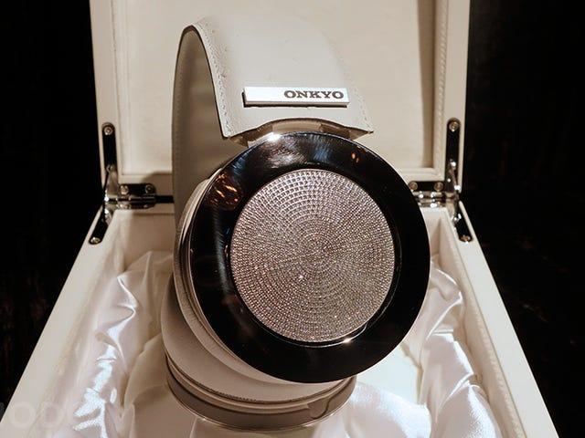 Unohtaminen 100 000 dollarin parista Diamond-täynnä kuulokkeita lentokoneessa olisi sydämentykytystä