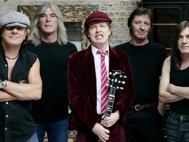 """AC/DC's Cliff Williams is Retiring To """"Chill with Family""""."""