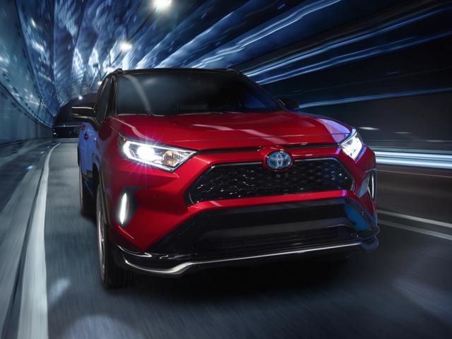 ¡El Toyota RAV4 Prime 2021 hace 302 putos HP!