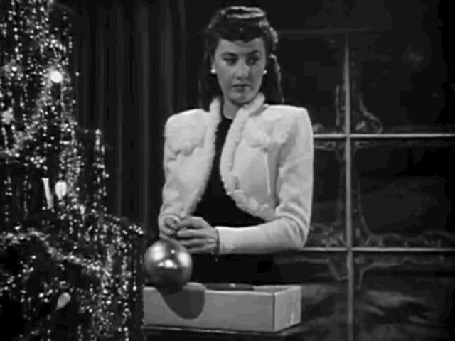 Observez cette comédie romaine des fêtes de 1945 avec Barbara Stanwyck dans Phony Martha Stewart