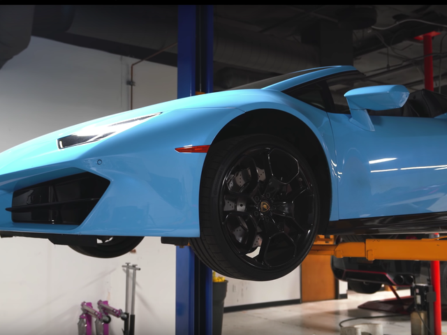 Changing the Oil on a Lamborghini Huracan Is Incredibly Tedious
