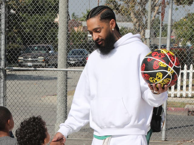 The Marathon Medal: Nipsey Hussle to Be Honored With Humanitarian Award at 2019 BET Awards