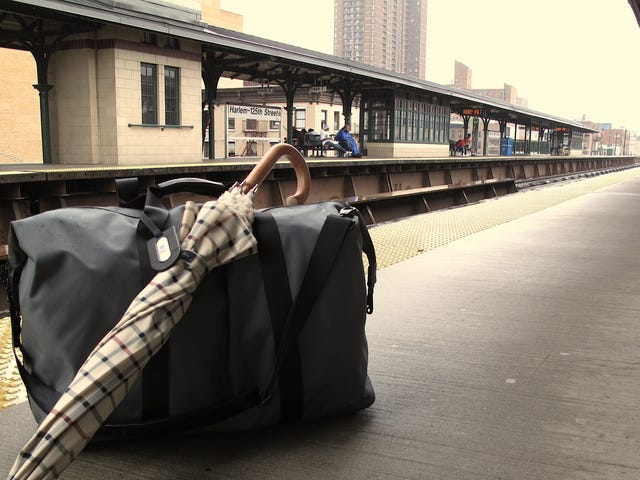 How to Stash Your Luggage for a Couple of Hours When Traveling