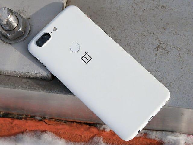 Acusan a OnePlus de enviar los datos de sus usuarios sin consentimiento a una compa चीन