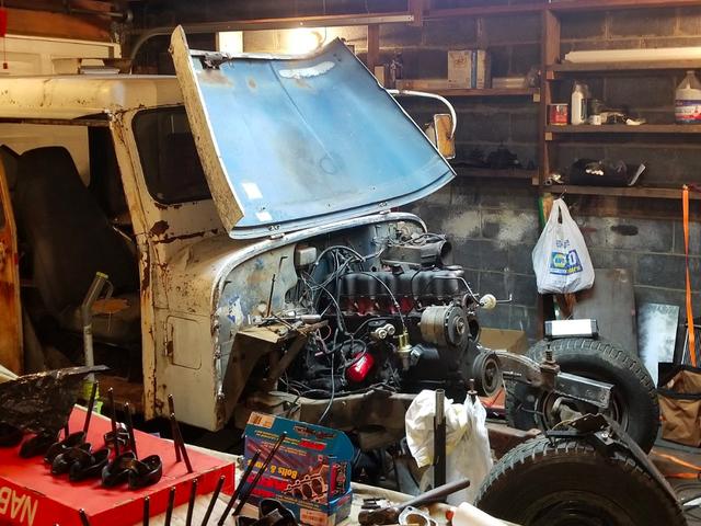 Een eenvoudige elektrische kwestie heeft mijn $ 500 Postal Jeep Project in zijn sporen gestopt