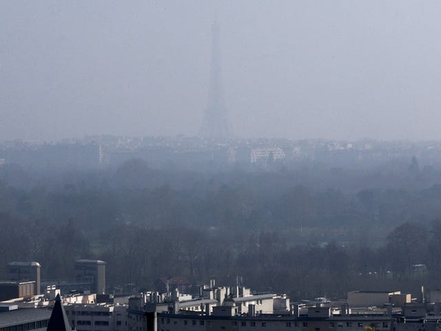 Smog, Lights, and Measles (Again): What's Ruining Our Cities This Week
