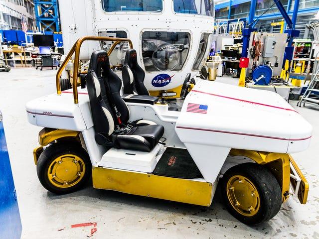 NASAs Bygning 9 Er Den Gigantiske Legetøjs Box Of Your Dreams