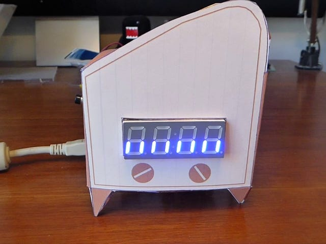 Build Your Own New Year's Eve Countdown Clock With an Arduino