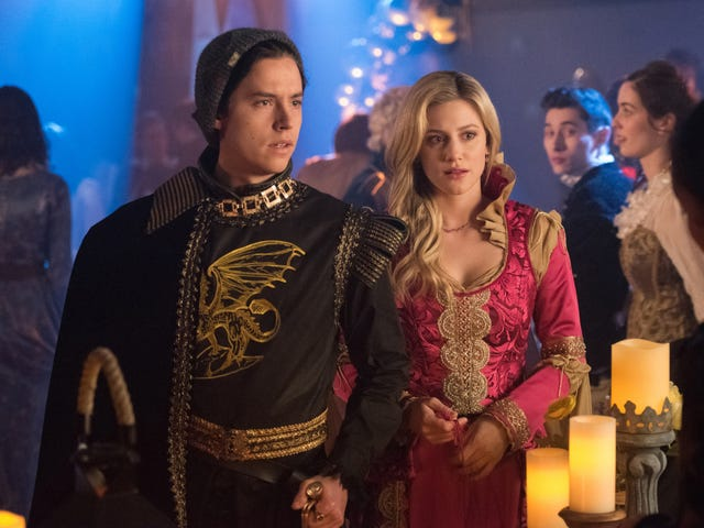 Rigged elections, crash dieting, multiple homicides — must be prom night on Riverdale!
