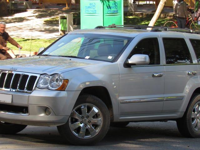 Bad Car Thief Steals Car, Calls Owner For Help
