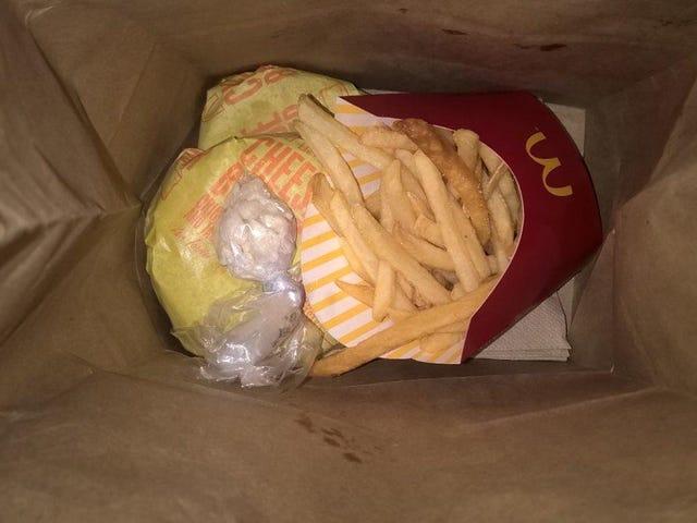 2 Büyük Patates ve bir Baggie Bag?  McDonald's Yöneticisi Bronx, NY, Restoran Dışı İlaçlarla Mücadele Edildi