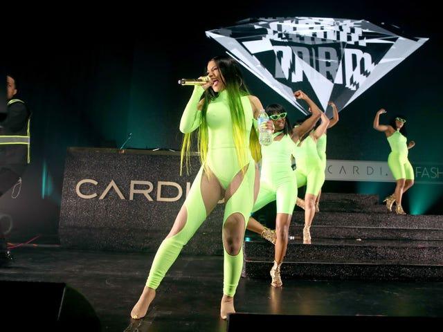Cardi B frappé d'un costume de diffamation de 1 million de dollars par Blogger