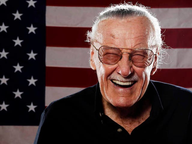 Los directores de <i>Captain Marvel</i> cambiaron el cameo de Stan Lee og la película después de su muerte