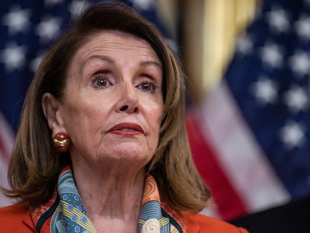 Nancy Pelosi từ bỏ Alexandria Ocasio-Cortez và đảng cánh tả của Đảng Dân chủ là 'Giống như 5 người'