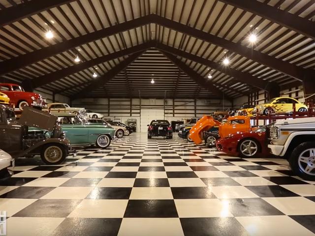 ジョージ・フォアマンは非常に多くの車を所有しています。