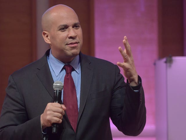 "Cory Booker thinks you make a margarita with ""fruit"" and ""ice"" and ""vodka"""