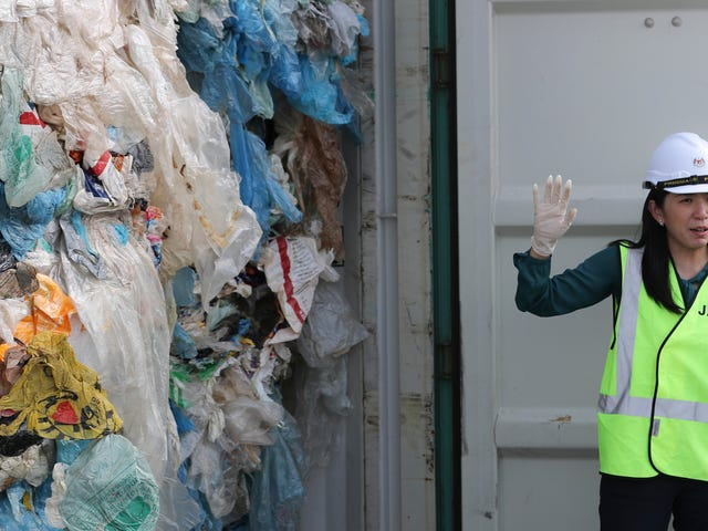 Malaysia Is Shipping 3,300 Tons of Garbage Back to the Countries It Came From