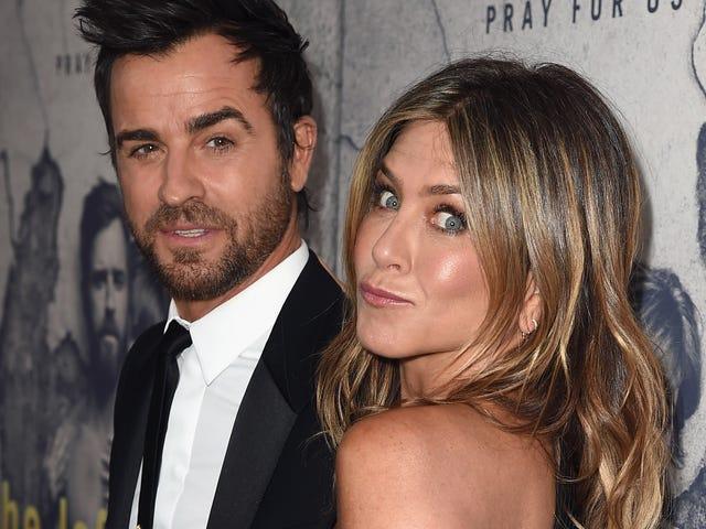 Jennifer Aniston aveva bisogno di uno psicologo per lavorare attraverso il divorzio con Justin Theroux (e il suo enorme tatuaggio sulla schiena)