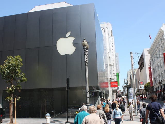 Apple, Google Reroute Employee Buses After Series of Alleged Attacks Near San Francisco