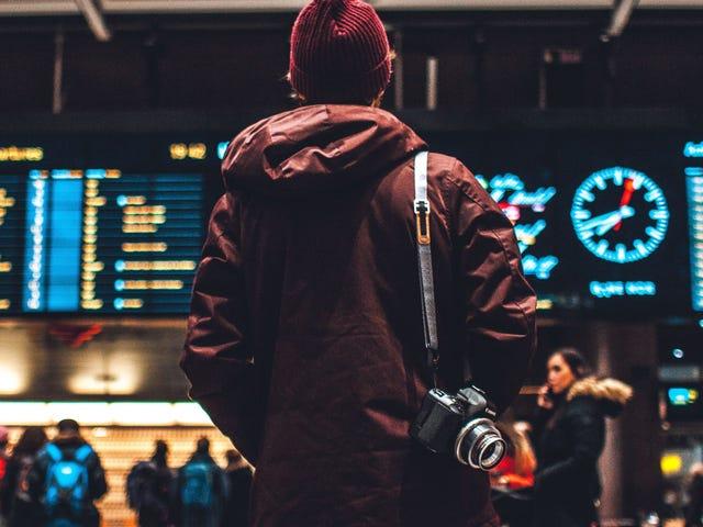 Berjaga-jaga untuk Cukai dan Bayaran Lapangan Terbang Tambahan ini