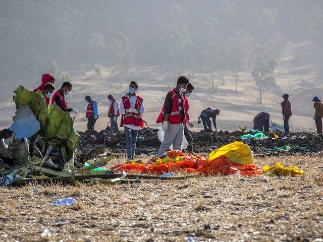 Các hãng hàng không bắt đầu hạ cánh máy bay Boeing 737 Max-8 sau vụ tai nạn chết người ở Ethiopia