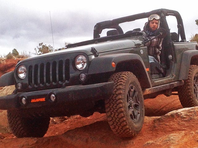 The Next Jeep Wrangler Might Not Have A Manual Transmission At All