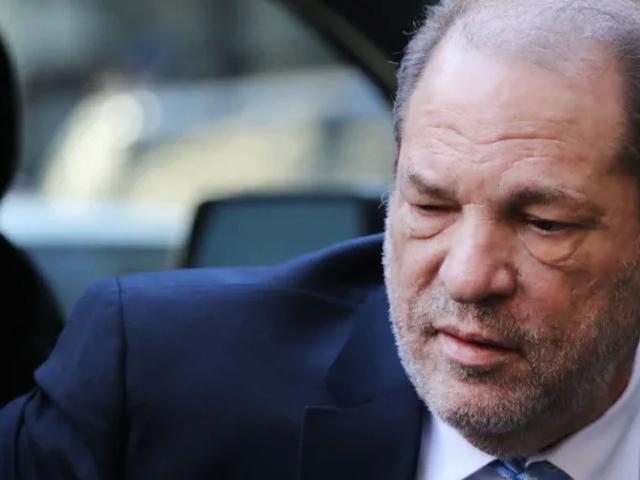 Harvey Weinstein tager en lille omvej på hospitalet på vej til fængsel