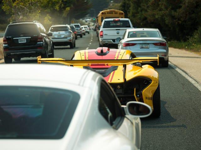 Supercarros de vários milhões de dólares são, na verdade, os carros mais lentos à venda hoje