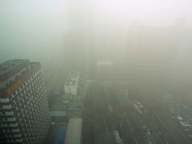 Canada gør hurtig forretningsmæssig salg af flasker til Kinas forurenede byer